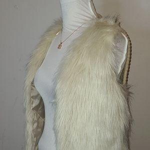 Sleeves Beige Faux Fur Jacket  SX/S| Cotton On